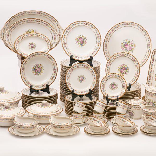Service de porcelaine de Limoges 130 pièces