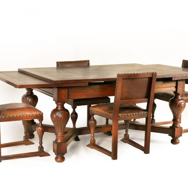 Ancienne table à 4 chaises