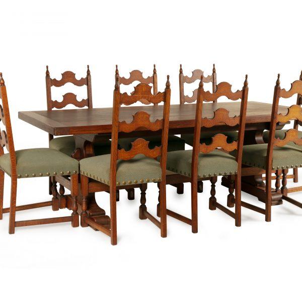 Table à manger ancienne à 8 chaises «VENDU»