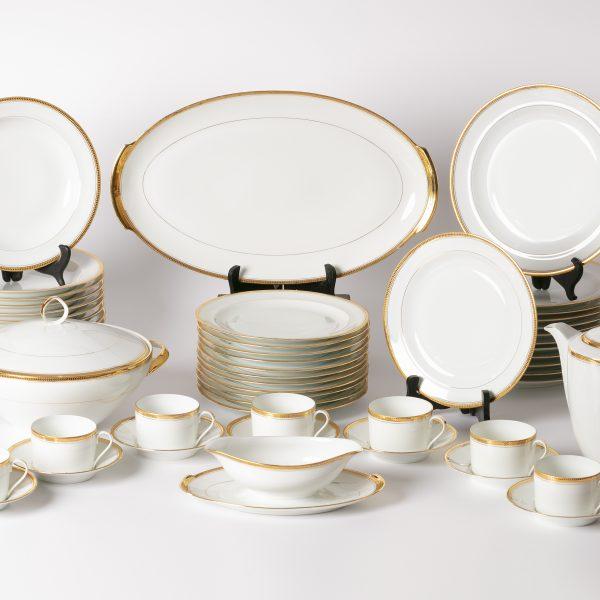 Service en porcelaine de Limoges 53 pièces «VENDU»
