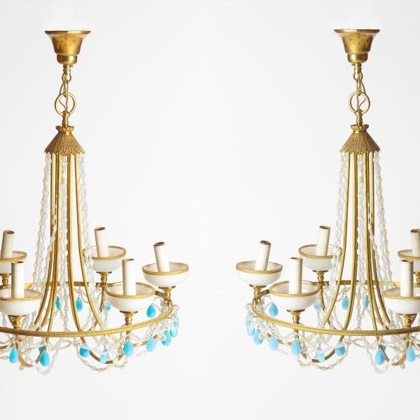 Paire de lustre en opaline blanc et bleu