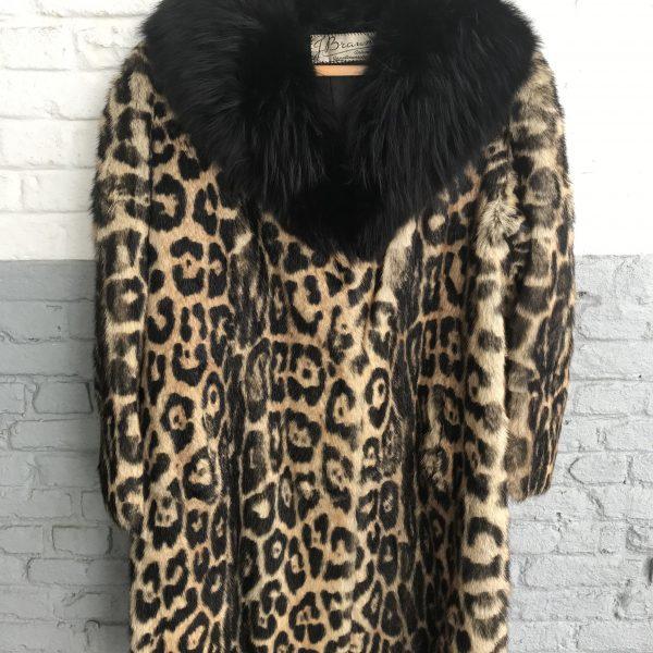 Manteau en fourrure de Léopard